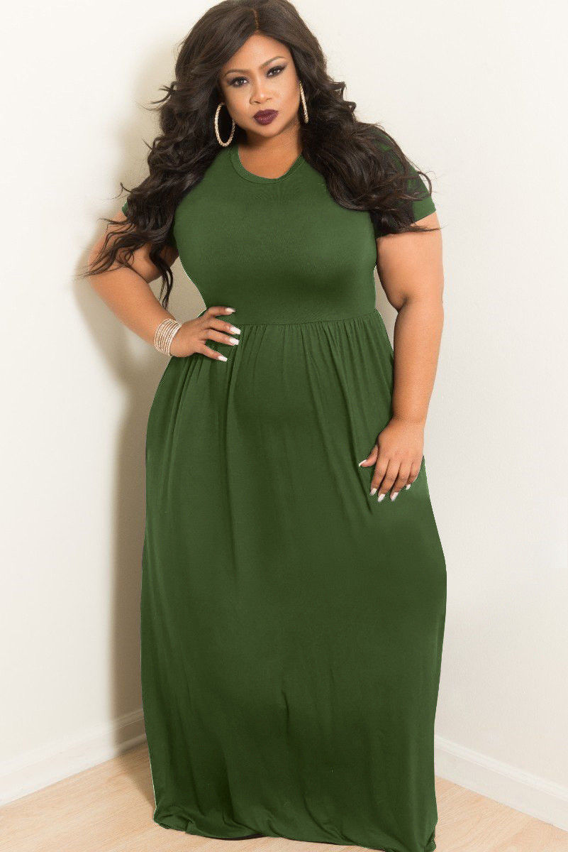 PLUS SIZE FIT & FLARE FLOWING MAXI DRESS